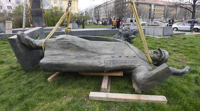 В МИД оценили отношения с Чехией после сноса в Праге памятника Коневу