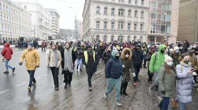 В Москве сообщили о нарушении движения транспорта на фоне незаконной акции
