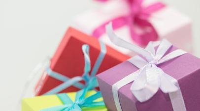 Социологи назвали самые популярные подарки на 8 Марта