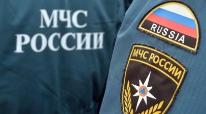 Спасатели эвакуировали со льда Байкала попавших в метель 12 туристов