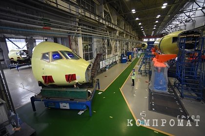 Семьи погибших в катастрофе с SSJ-100 подали в суд на производителей самолета
