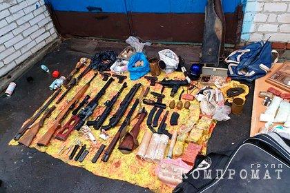 Бандитам из ОПГ «Восьмерочные» добавили срок за хранение оружия и боеприпасов