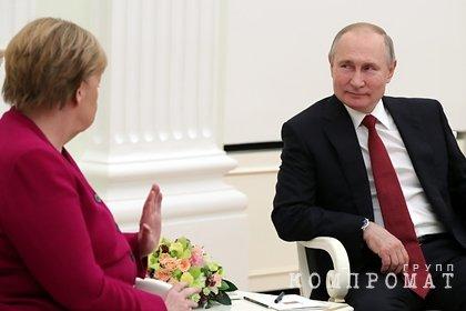 Путин и Меркель обсудили совместное изготовление вакцин против COVID-19