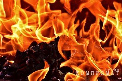 Россияне выбросили ребенка из окна во время пожара