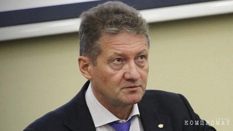 Андрею Козицыну сжимают «Кольцо»