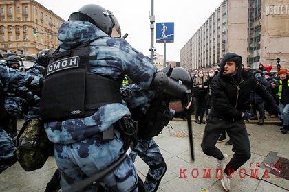 Дравшийся с ОМОН на митинге чеченец объяснил свои действия