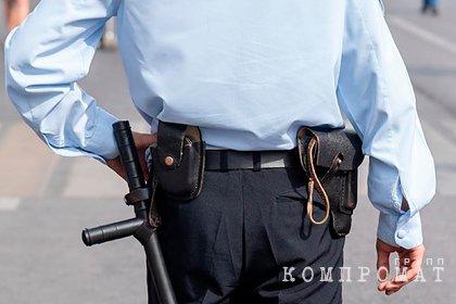 Избившие полицейских их же дубинками россияне получили условный срок