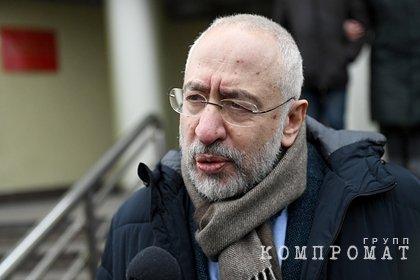 Николая Сванидзе отпустили через 20 минут после задержания на акции в Москве