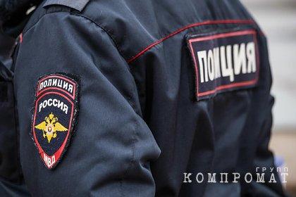 Российский полицейский штрафовал родственников ради работы