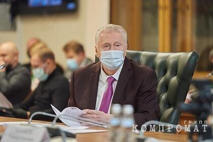 Жириновский призвал супругов спать в отдельных квартирах