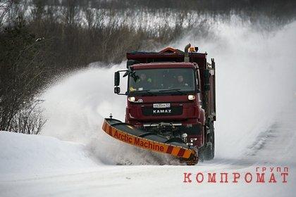 Снегоуборочная машина сбила российского ребенка
