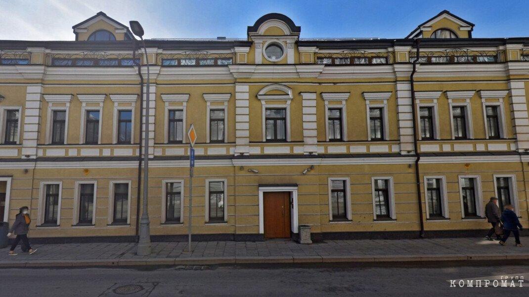 Мать губернатора Воробьева оказалась владелицей офисов в центре Москвы