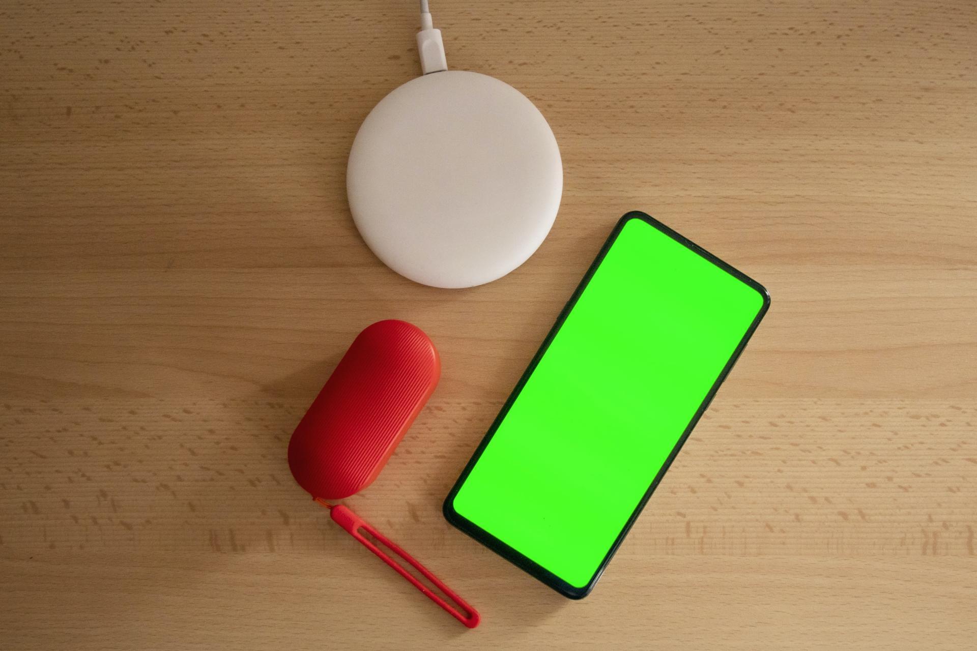 6 лучших смартфонов Android с беспроводной зарядкой (на любой бюджет)