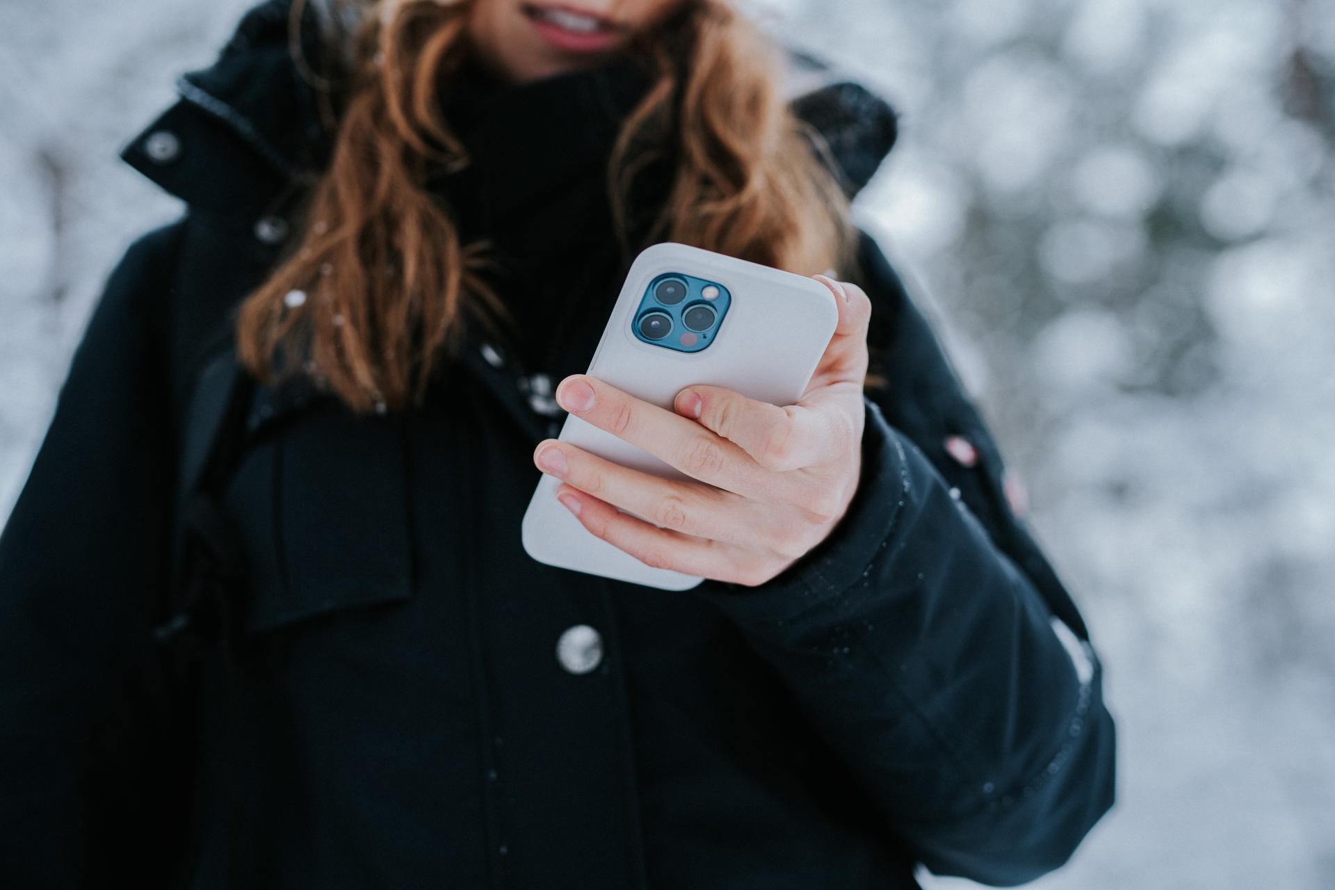 На 8 марта дамы получают чаще всего не iPhone или иные гаджеты