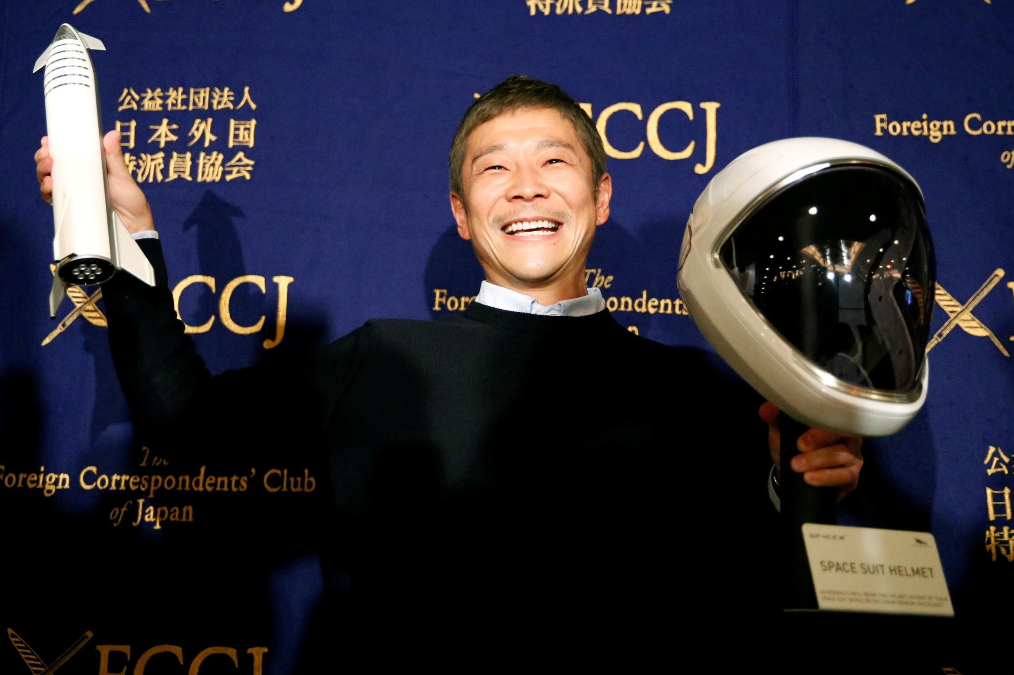 Японский миллиардер оплатит полет 8 счастливчиков на Луну на корабле Starship: попытать удачу может каждый желающий