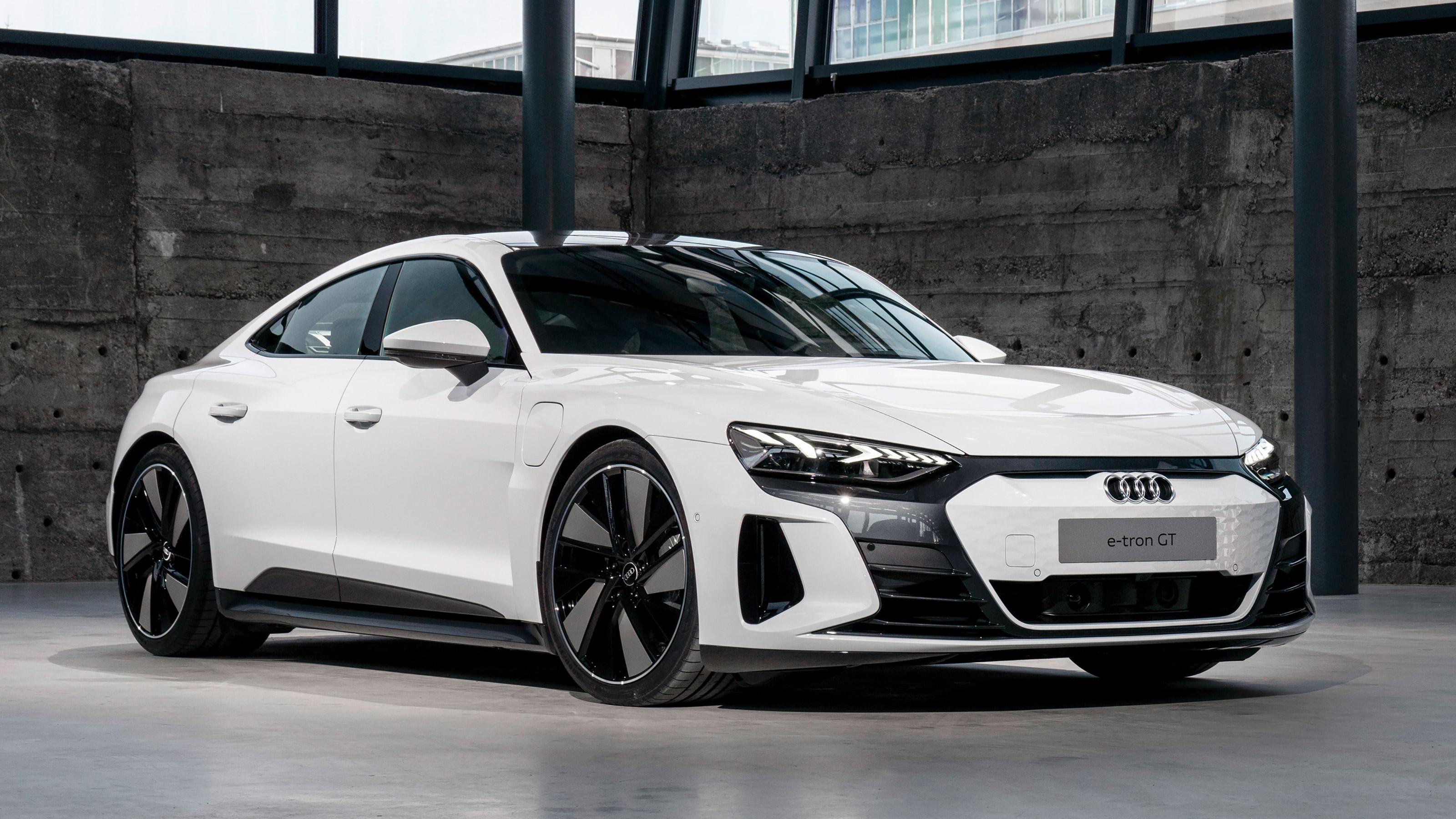 Сколько будет стоить электрический спорткар Audi e-tron GT в Украине