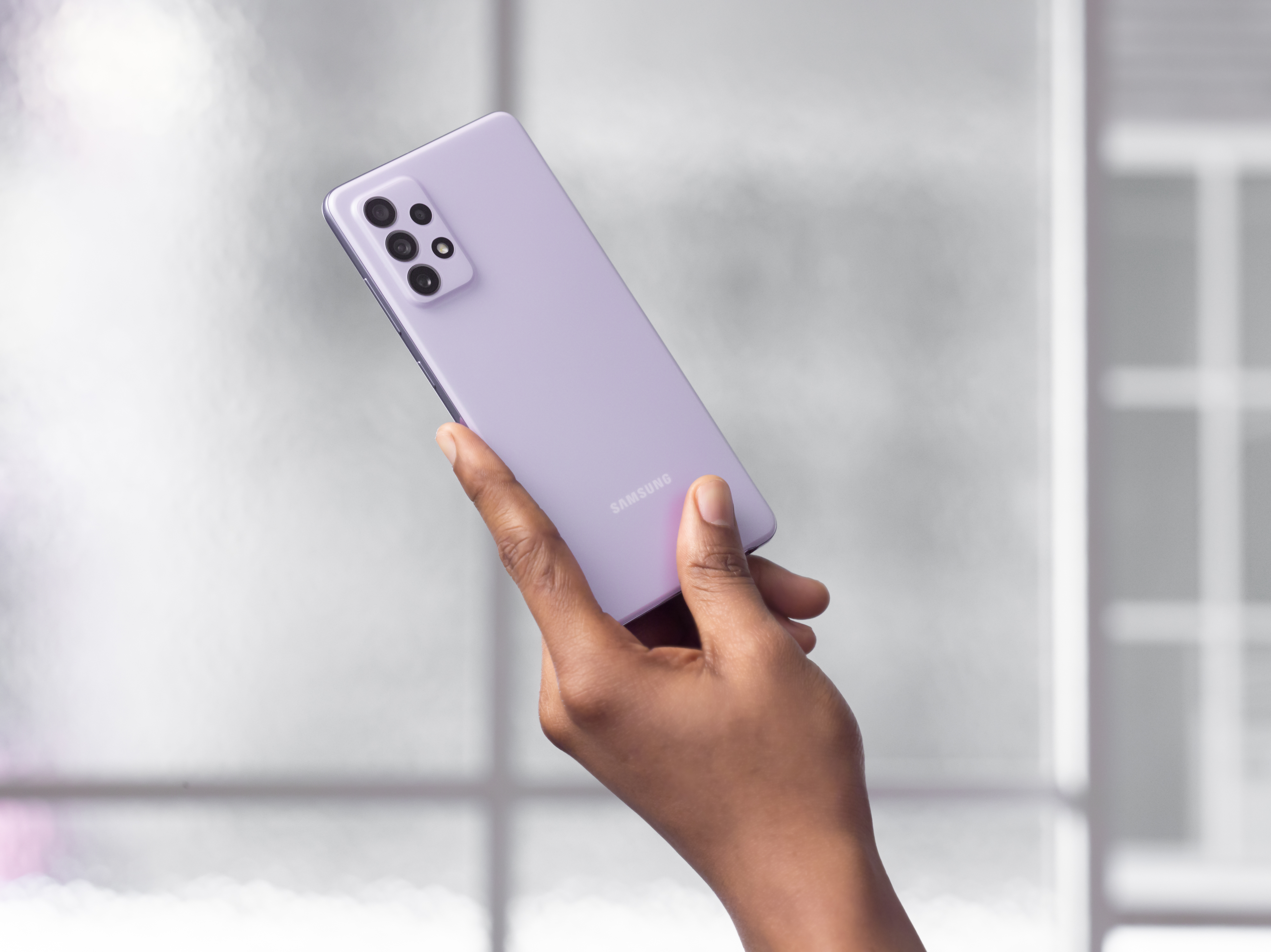 Samsung Galaxy A52 и Galaxy A72: смартфоны с 90 Гц дисплеями, квадрокамерами и водозащитой IP67 от €430