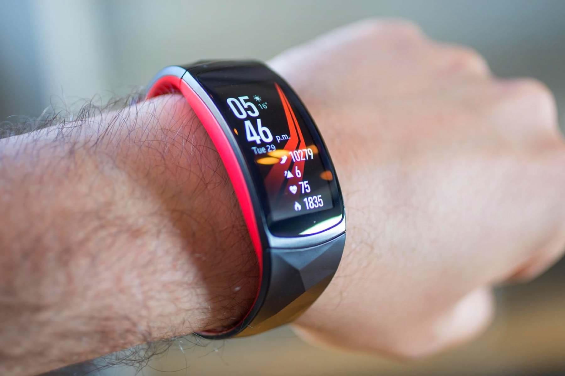 Не только умные часы: OnePlus готовит к выходу смарт-браслет с AMOLED-дисплеем и ценником в $40