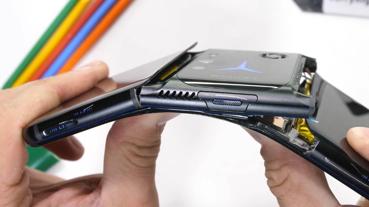 Трещит по швам: игровой смартфон Lenovo Legion 2 Pro провалил тест на прочность