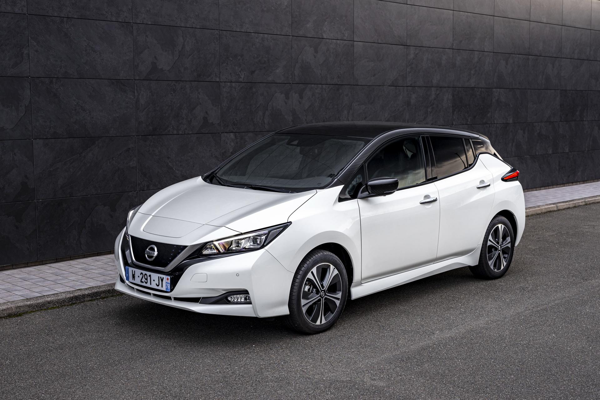 В Украине начались официальные продажи электромобиля Nissan Leaf: цена и комплектации