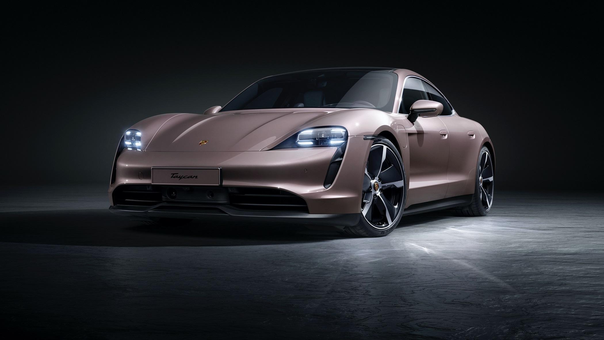 Porsche представила четвёртую версию электрического Taycan: задний привод, две комплектации и запас хода до 484 км