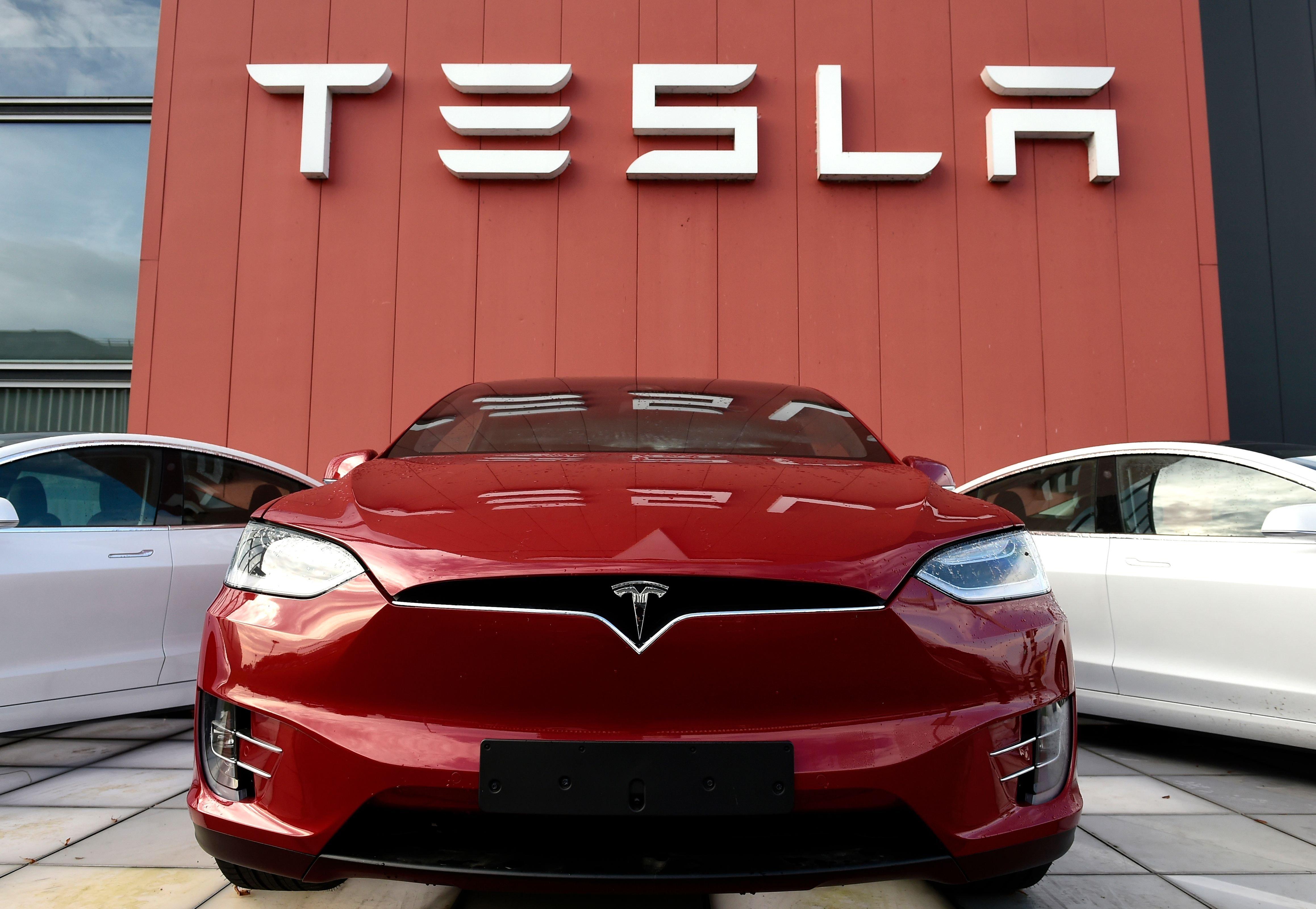Илон Маск: CEO Apple Тим Кук отказался покупать Tesla за $60 млрд