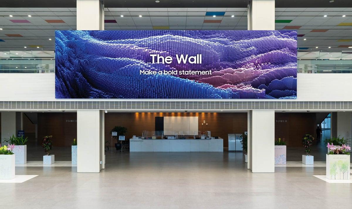 Samsung представила новый модульный телевизор The Wall 2021 с процессором Micro AI и частотой обновления 120 Гц