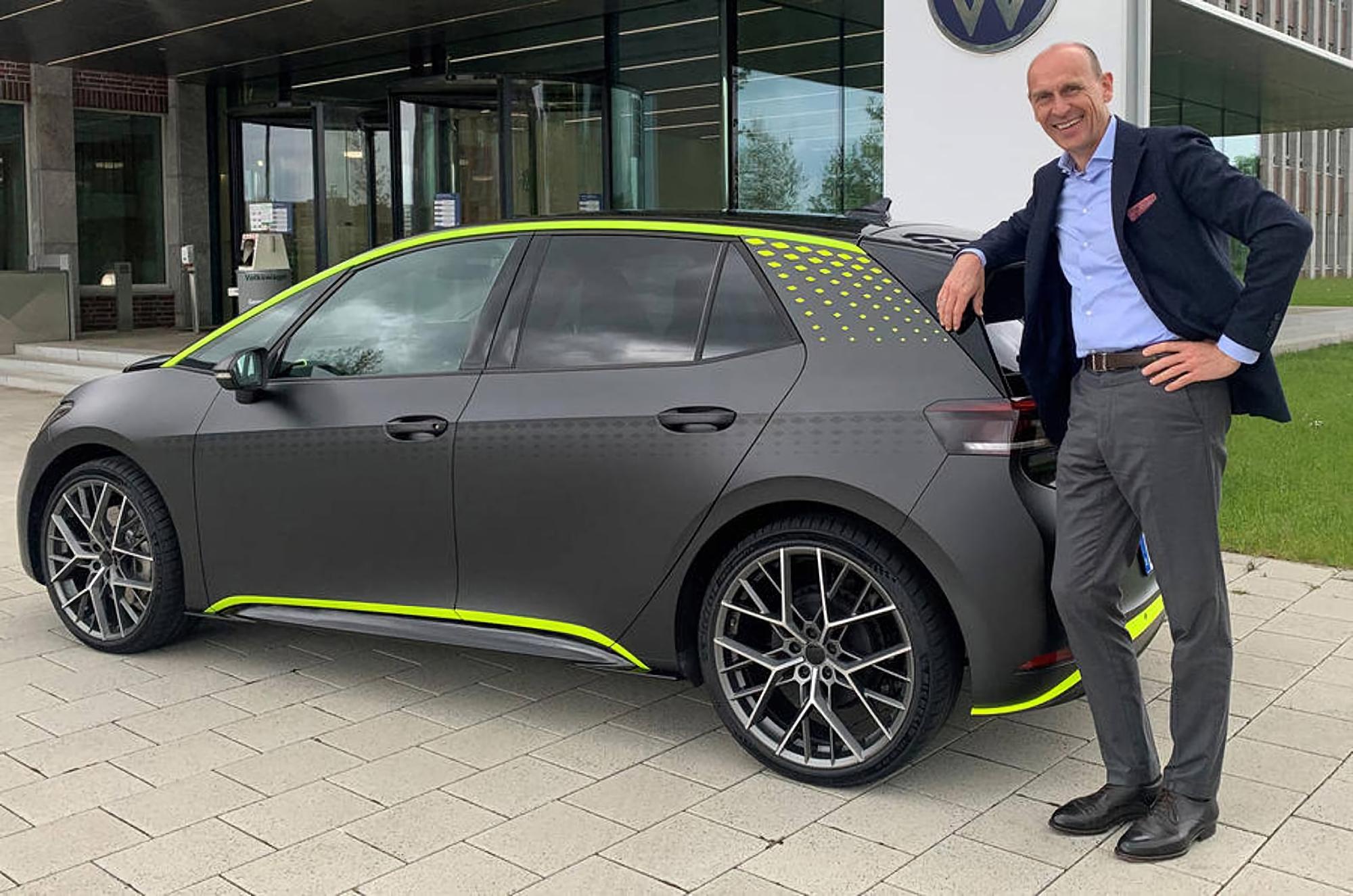 Volkswagen представила ID.X: «заряженная» версия электрокара ID.3 с полным приводом, разгоном до «сотни» за 5.3 сек и режимом для дрифта, как у Golf R