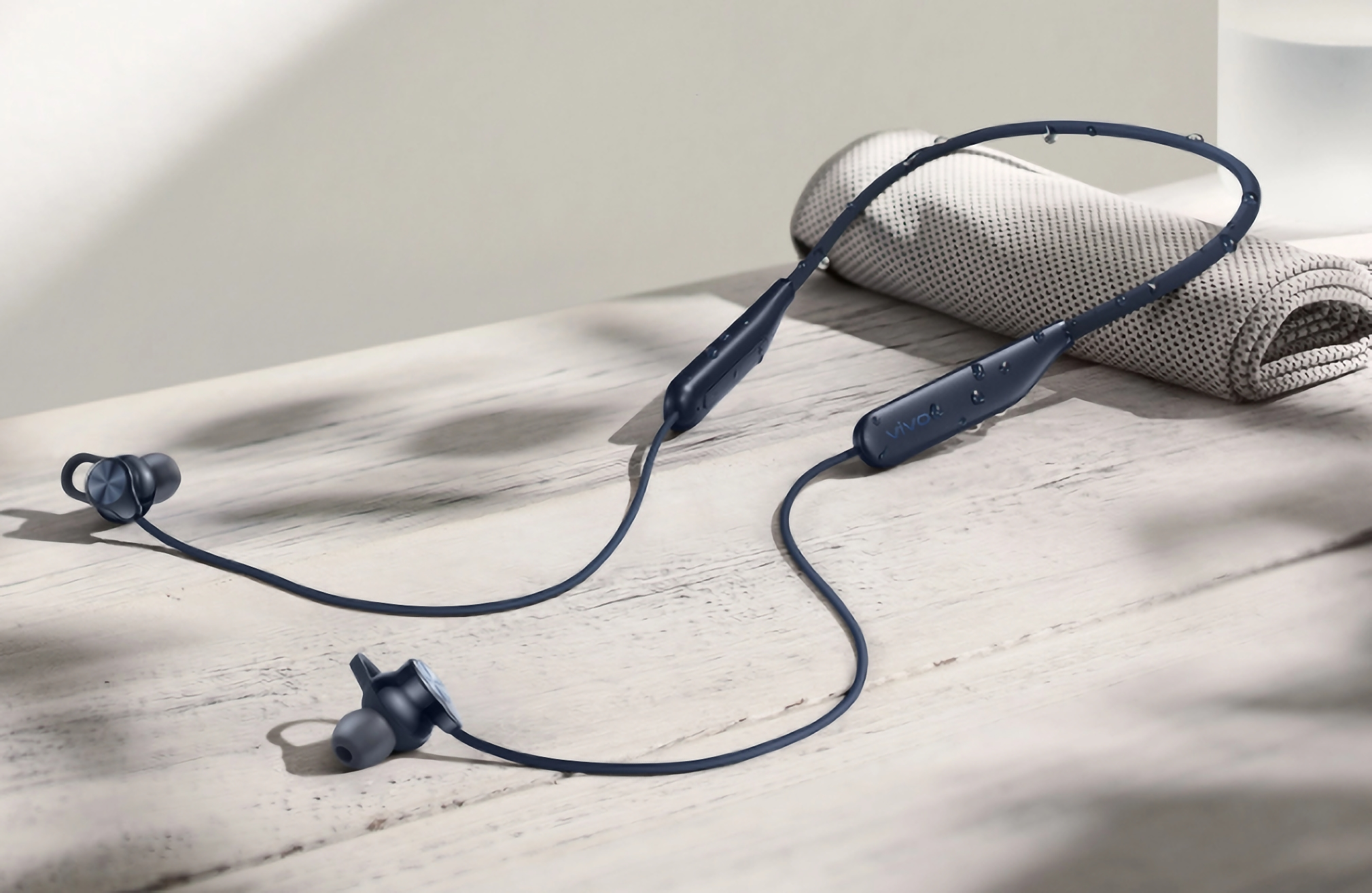 Vivo представила нашейные Bluetooth-наушники с автономностью до 18 часов и портом USB-C за $46