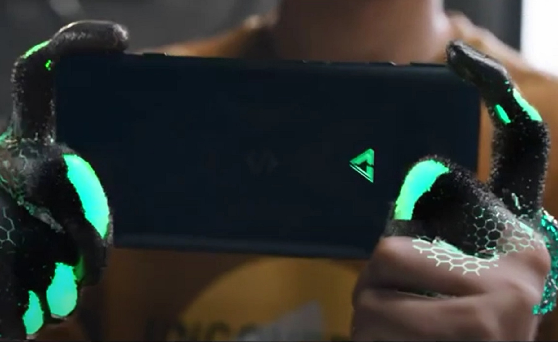 Black Shark 4 показали в рекламном тизере: триггеры, как у Black Shark 3 Pro, и Snapdragon 888
