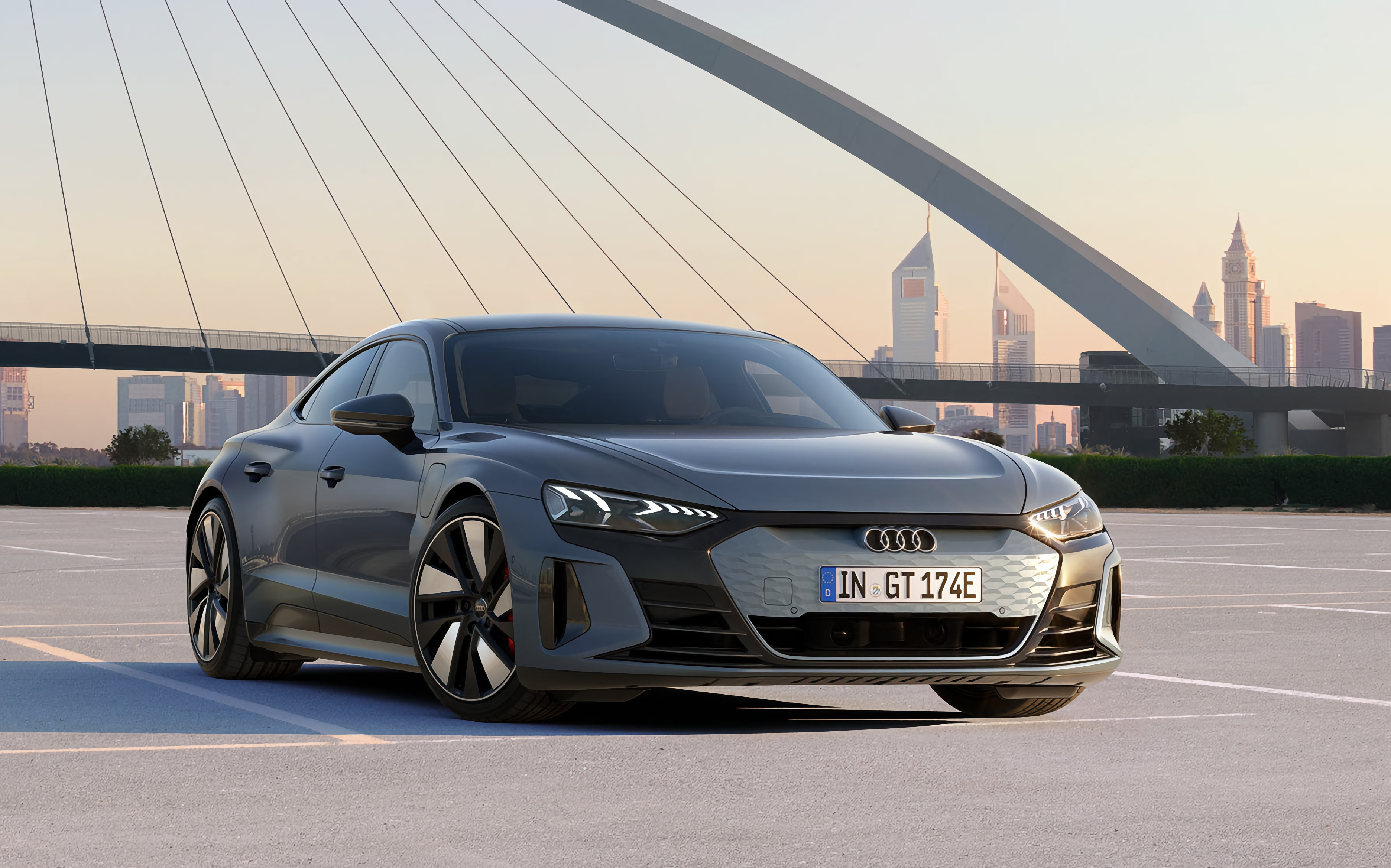 Audi e-tron GT: электрический спорткар на платформе Porsche Taycan с запасом хода более 488 км, разгоном до «сотни» за 3.3 сек. и ценником от 99 800 евро