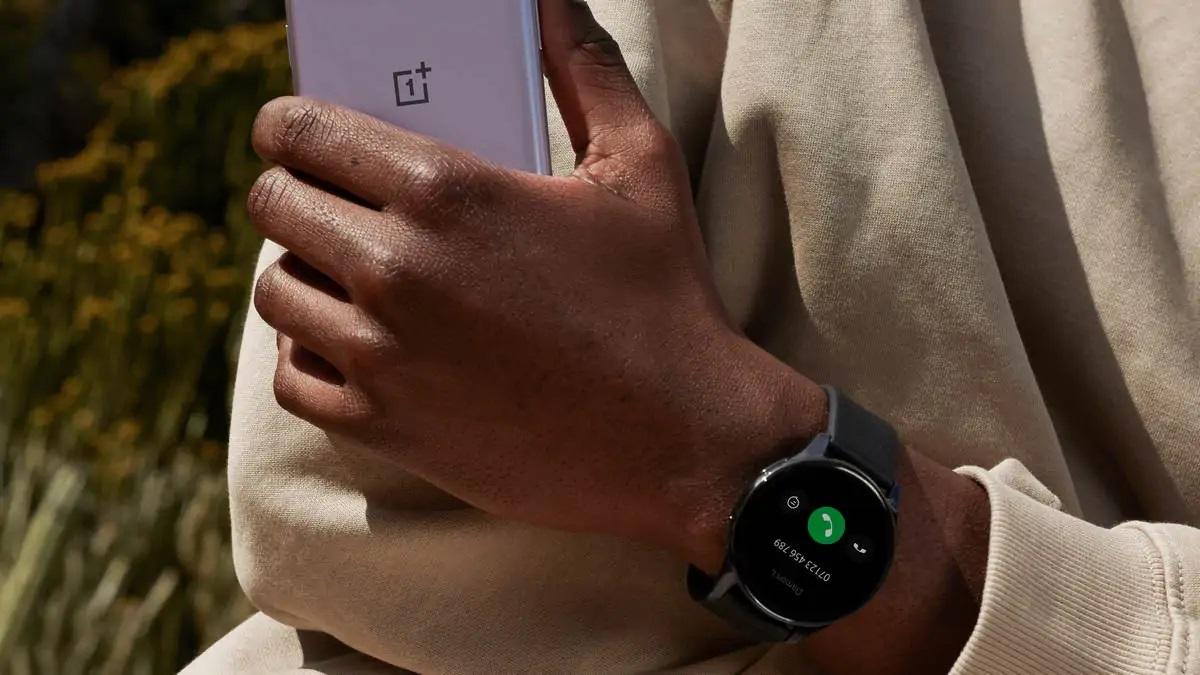 OnePlus представила свои первые смарт-часы OnePlus Watch: 1,39' дисплей, пульсоксиметр и до 14 дней автономности за $159