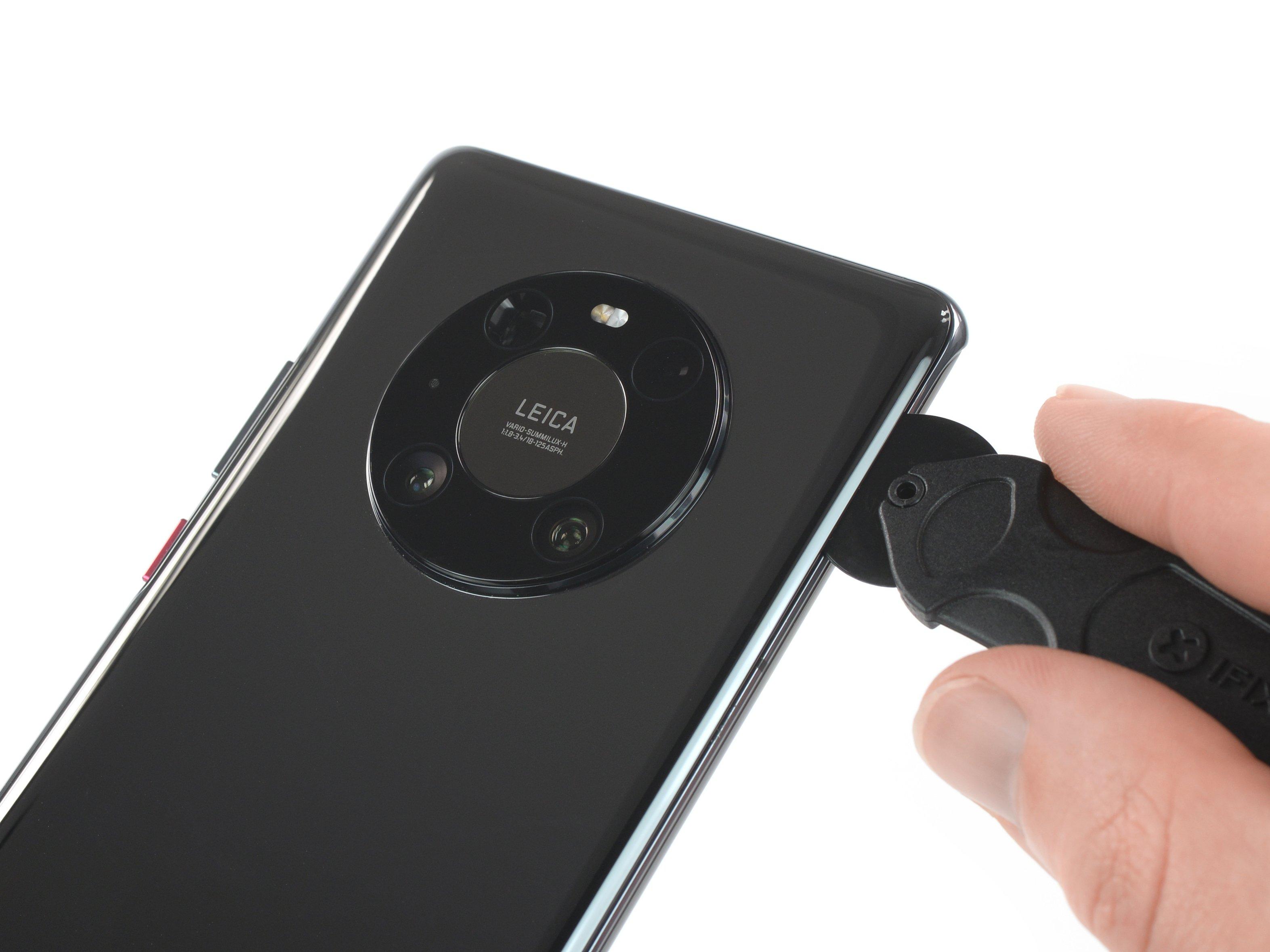 На четверочку: разборка Huawei Mate 40 Pro показала, что отремонтировать его будет нелегко