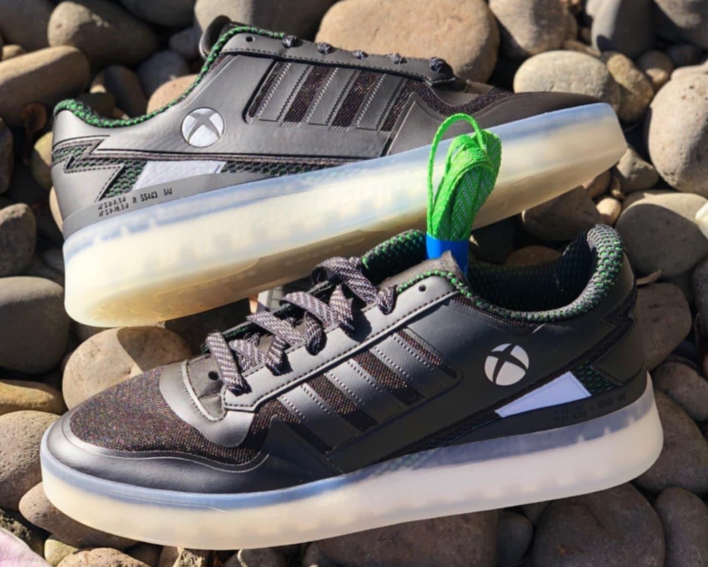 По стопам Nike и Sony: Microsoft вместе с Adidas выпустят кроссовки посвящённые Xbox