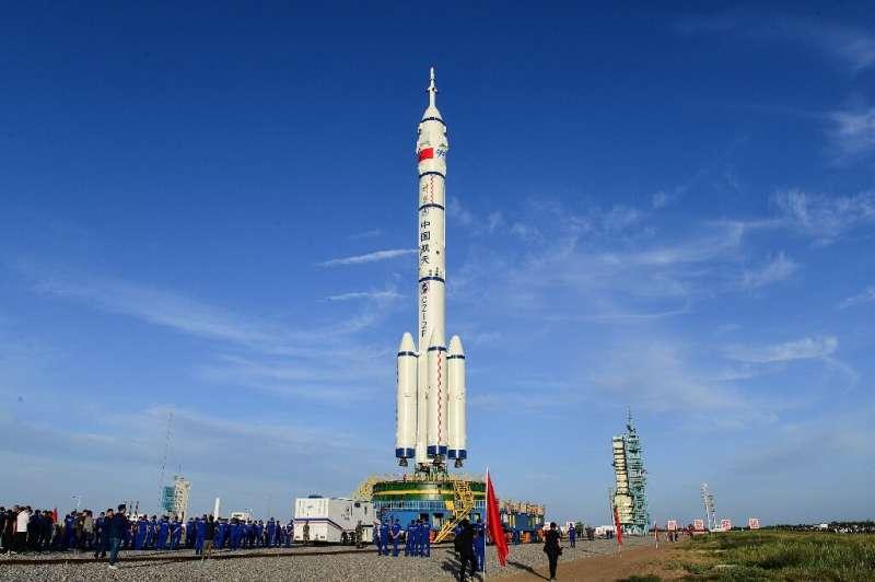 Китайская ракета с пилотируемым экипажем стартует на этой неделе