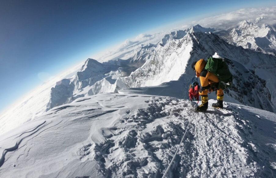 Эверест оказался выше, чем считалось. Какая высота у самой высокой горы?