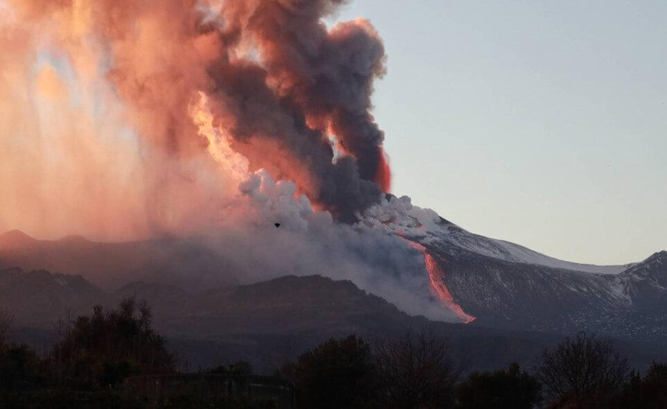 Извержение вулкана Этна в Сицилии. Все, что нужно знать