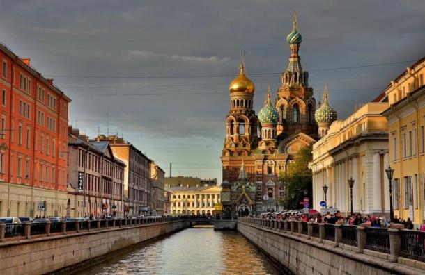 Петербург стал лидером по количеству заболевших COVID-19 за месяц