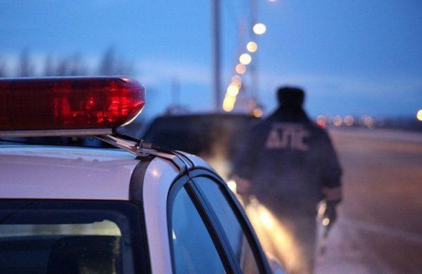 Иномарка выехала на встречку и разбилась об опору освещения, двое погибли
