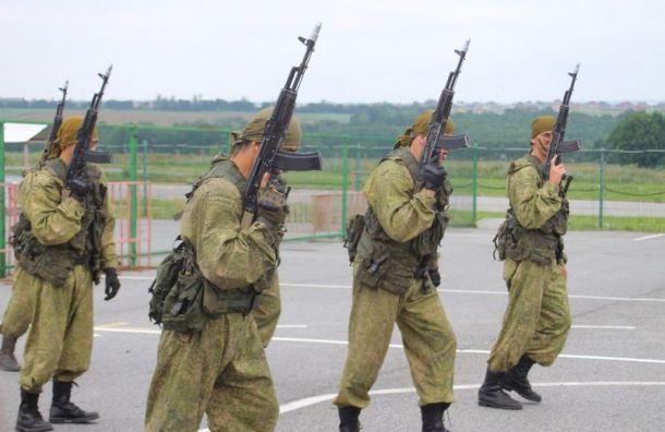 Полицейские и рогсвардейцы задержали спецназовцев на проспекте Шаумяна