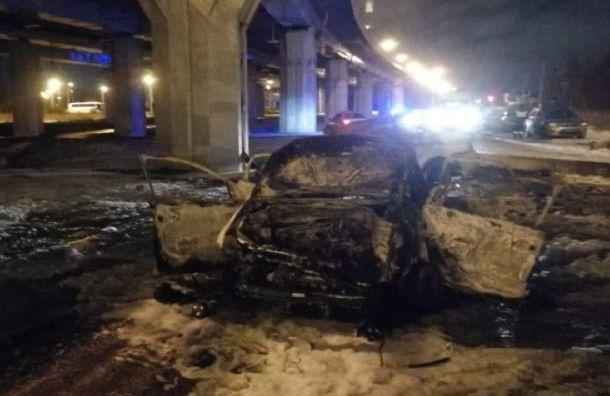 Полицейская погоня за лихачом завершилась ДТП с пожаром