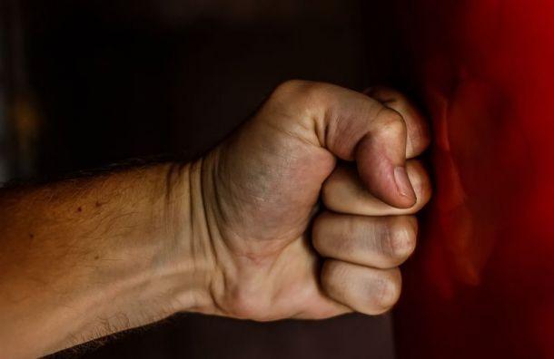 Троих пенсионеров в Ленобласти избили коллекторы