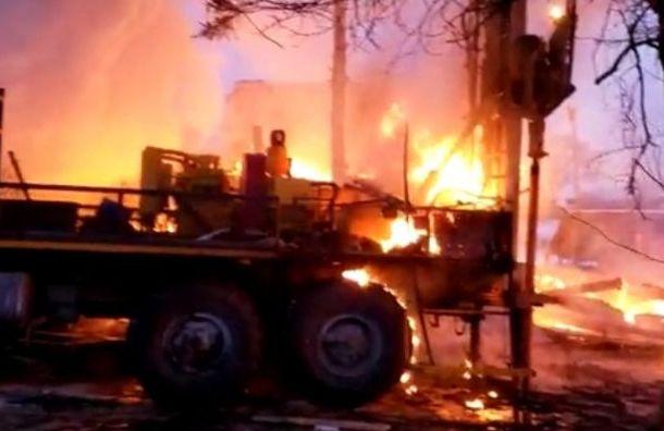 Более 70 зданий в Колпине остались без газа из-за взрыва и пожара