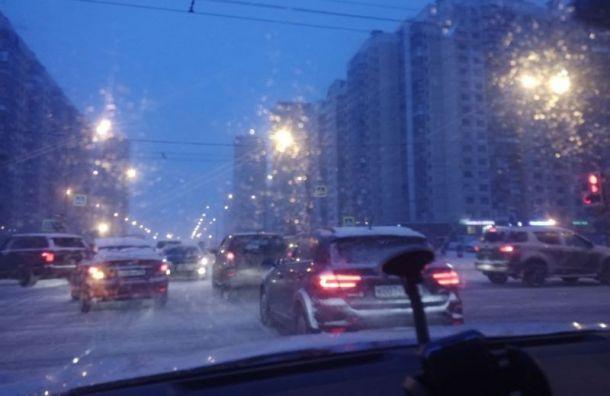 Петербург утром 3 февраля встал в девятибалльных пробках