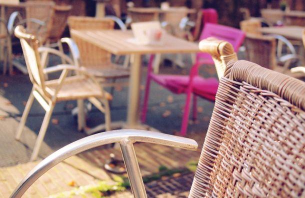 Летние кафе Петербурга могут заработать с середины апреля
