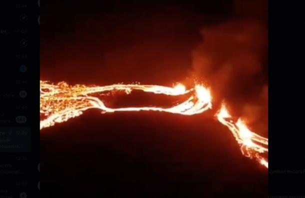Вулкан, спавший 6 тысяч лет, проснулся от землетрясения