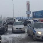 Снегопад парализовал движение транспорта на ставропольских трассах