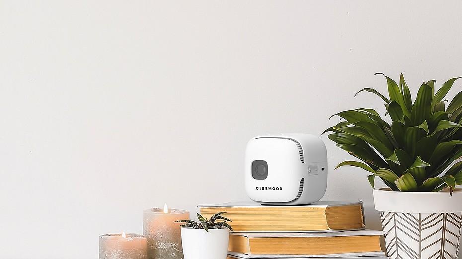 Компания 'МультиКубик' представила новый портативный проектор с поддержкой LTE