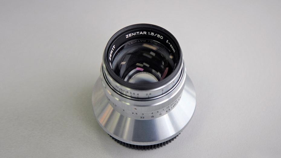 Производитель легендарных камер 'Зенит' выпустил объектив для беззеркалок Sony
