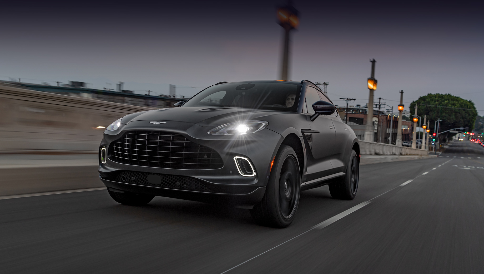 Aston Martin представит десять новинок за два года